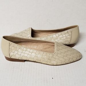 Enzo Angiolini Beige Leather Woven Flats/Loafers